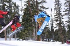 雪板运动三连胜式:在雪公园的甜会议, Vail手段,比弗河,科罗拉多 免版税库存照片