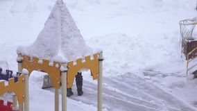 雪清洁在操场 股票录像