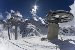从滑雪电缆车的顶端巨型轮子 图库摄影