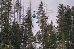 滑雪的升降椅 库存照片
