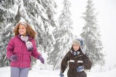 雪的孩子 免版税库存图片