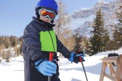 滑雪的年轻男孩 免版税图库摄影