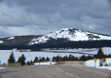 雪看法在科罗拉多加盖了山 免版税库存照片
