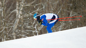 滑雪者参加经典之作比赛 免版税库存照片