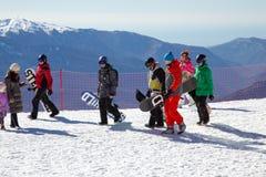 滑雪者和挡雪板 罗莎Khutor滑雪胜地  索契 俄国 库存图片