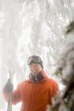 滑雪者和树 图库摄影