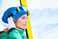 滑雪者妇女画象 免版税库存图片