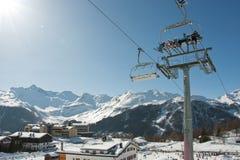 滑雪胜地意大利阿尔卑斯 免版税图库摄影