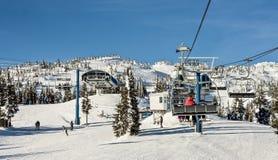 滑雪胜地驾空滑车 库存图片