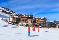 滑雪胜地Courchevel 1850 m冬天 库存照片