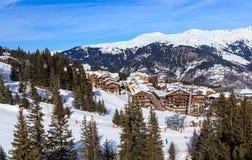 滑雪胜地Courchevel 1850 m冬天 免版税库存照片