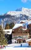 滑雪胜地Courchevel 1850 m冬天 Le Denali旅馆 库存图片