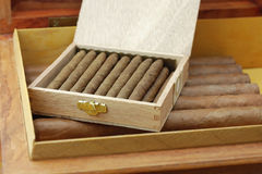 雪茄古巴人雪茄盒 免版税库存照片