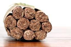 雪茄古巴查出的tradicional 库存图片