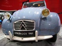 雪铁龙2cv 1961前面 免版税库存图片