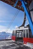 滑雪长平底船在Val Senales 库存照片