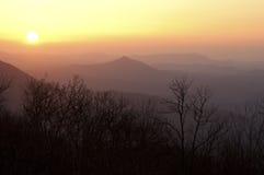 从雪鸟山的日落 免版税库存图片
