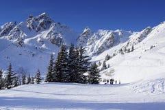 滑雪滑雪道在法国阿尔卑斯 免版税库存图片