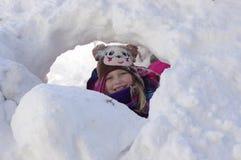 雪洞 库存照片