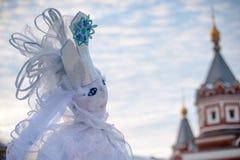 雪Maslennitsa的女王/王后玩偶 库存图片