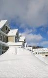 雪Pilled高在雪风暴以后 免版税库存照片
