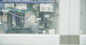 零件装配线汽车制造业的 股票视频
