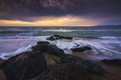 雷东多海滩日落 库存图片