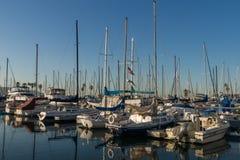 雷东多海滩小游艇船坞早晨 免版税库存照片