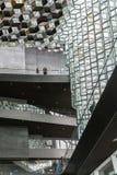 雷克雅未克,冰岛, 2014年5月:Harpa音乐堂和会议中心的内部看法 图库摄影