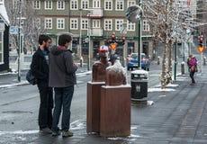 雷克雅未克,冰岛- 2016年10月21日:在雷克雅未克和当地人民的纪念碑 库存图片