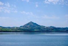 雷加尔布托 Pozzillo湖在西西里岛 库存照片