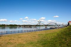 雷宾斯克桥梁 库存照片