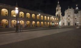 洛雷托省圣洁议院在夜之前,意大利 免版税库存照片