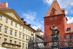 雷根斯堡,德国- 2016年7月,09:Justice,正义,Haidplatz广场喷泉夫人雕象  库存照片