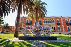 雷焦卡拉布里亚,意大利- 2014年7月25日:抽象困惑雕刻 库存图片