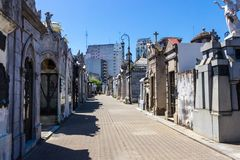 雷科莱塔公墓在布宜诺斯艾利斯在夏天 库存照片
