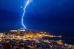 雷被猛冲的城市 库存图片
