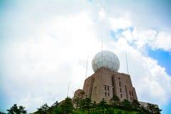 雷达塔 免版税库存图片