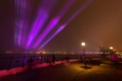 雾在悉尼覆盖环形码头。 库存图片