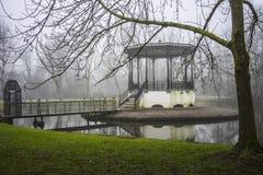 雾在阿姆斯特丹 免版税库存照片