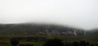 雾小山 库存图片