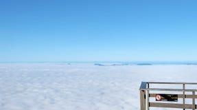 雾海与大阳台的在国家公园Chiangmai,泰国 免版税库存图片