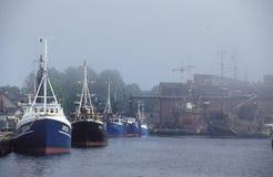雾的港口 免版税库存照片