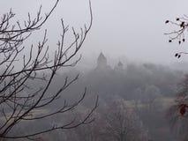 雾的Makaravank修道院 免版税库存照片