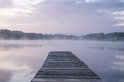 雾船坞 库存照片