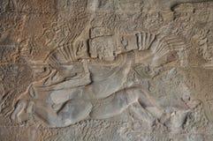 震动登上Kailasa,吴哥窟的SW壁角亭子的Ravana 免版税图库摄影