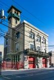 霍博肯消防队总部的四分之三视图 免版税图库摄影