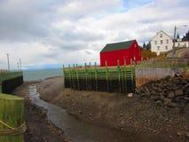 霍尔` s港口新斯科舍处于低潮中 库存照片