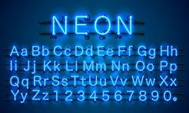 霓虹城市颜色蓝色字体 英语字母表标志 免版税图库摄影