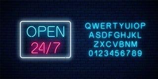 霓虹开放24个小时每星期七天签到与字母表的几何形状 日以继夜运作的夜总会牌 皇族释放例证